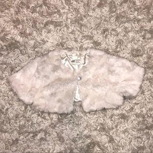 ❄️H&M Faux Fur Cropped Shawl Child size 1 1/2-2Y